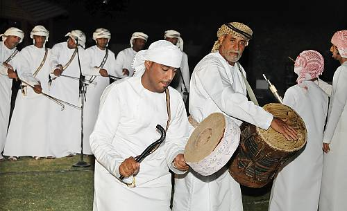 Arabs Dancing