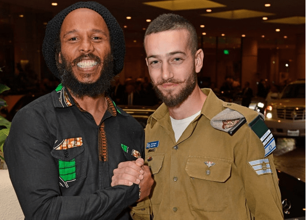 Ziggy Marley and an Israeli soldier